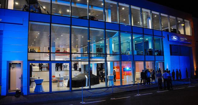 Automoción Acosta inaugura instalaciones 'Ford Store'