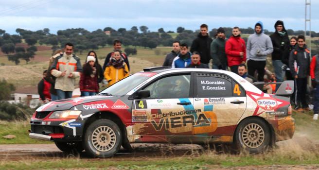 Marcos González logra podio en el Nacional de Tierra