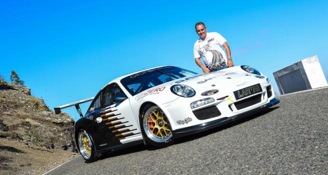 Iván Armas estrena decoración en el Porsche 911 GT3-2010