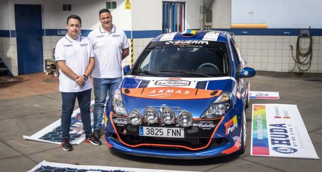 Domi Guerra- Santi González presentan el Clio N2, junto a Cris Ravelo
