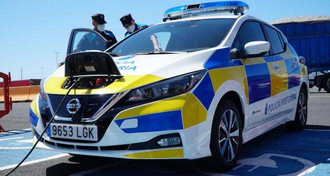 Arimotor Tenerife entrega diez Nissan Leaf a la Autoridad Portuaria