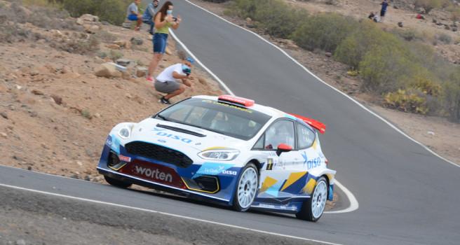 Enrique Cruz y Yeray Mujica (Ford R5), imparables en el Rallysprint Atogo